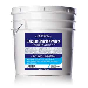 Earthborn Elements snow and ice melt pellets 90% calcium chloride