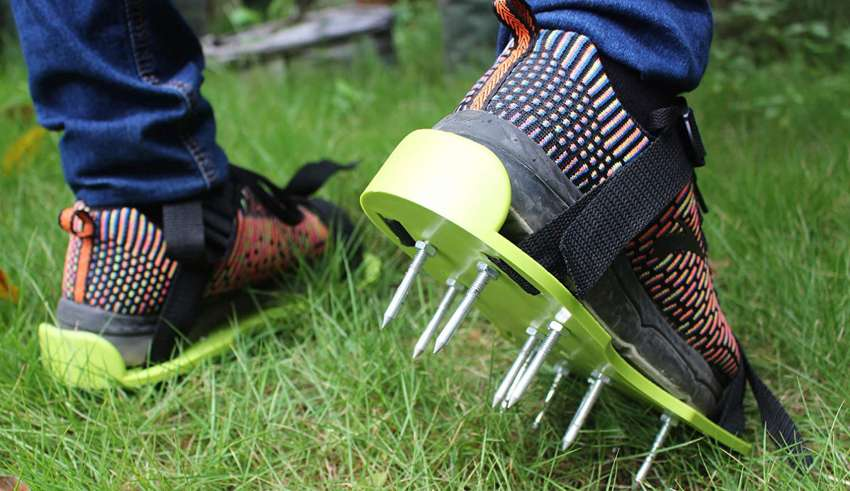 image feature Lawn Aerator Shoes
